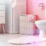 """ピンクのアクセントクロスが映える!古いトイレを""""大人可愛く""""リノベーション"""